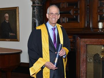 Dr Steven Wexner
